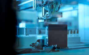 Victorian Government supports medical manufacturing company